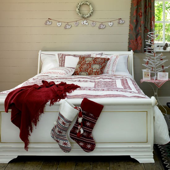 Find your perfect Christmas decorating style...