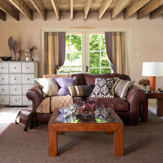 Living room decorating ideas country style decorating for Country style family room ideas