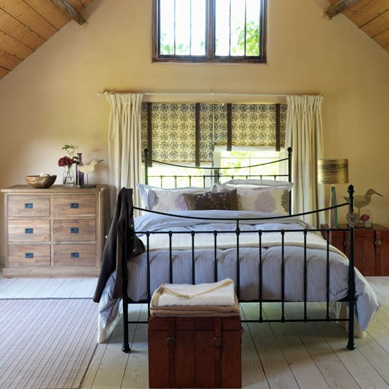 Bedroom decorating ideas country style decorating for Bedroom look ideas