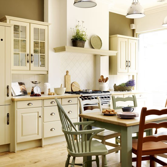 Images of country kitchens house furniture for Country kitchen cabinets