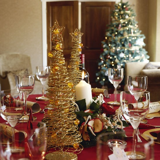 Decorative dining table | Christmas decorating ideas | Eco ...