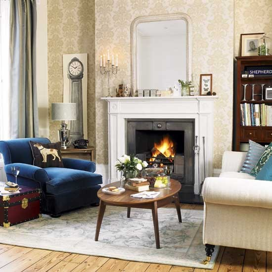 English eccentric living room for Damask wallpaper living room ideas