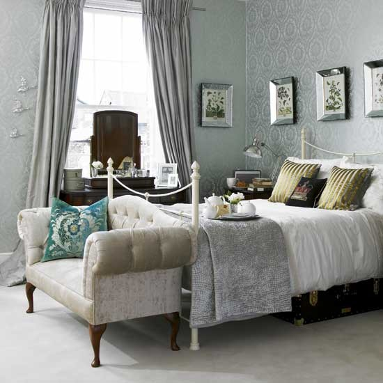Damask wallpaper bedroom bedroom ideas sofa for Bedroom decorating ideas
