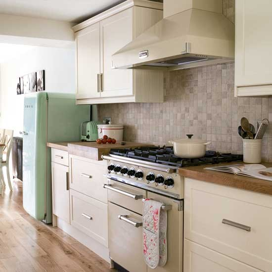 Modern country kitchen kitchens design ideas for Kitchen design ideas uk