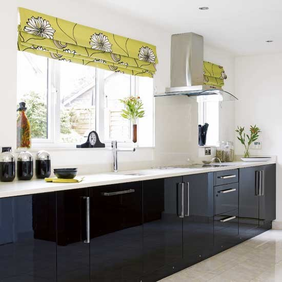 Black gloss kitchen kitchens design ideas for Black gloss kitchen ideas