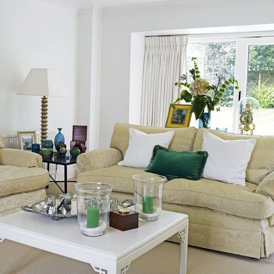 Living room with green accents for Green and beige living room ideas