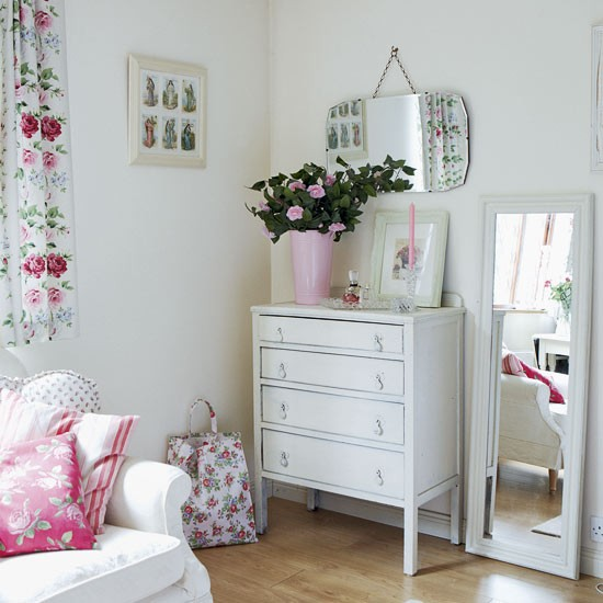 bedroom dressing area - Vintage country home - country decorating ideas - decorating inspiration - image - housetohome.co.uk