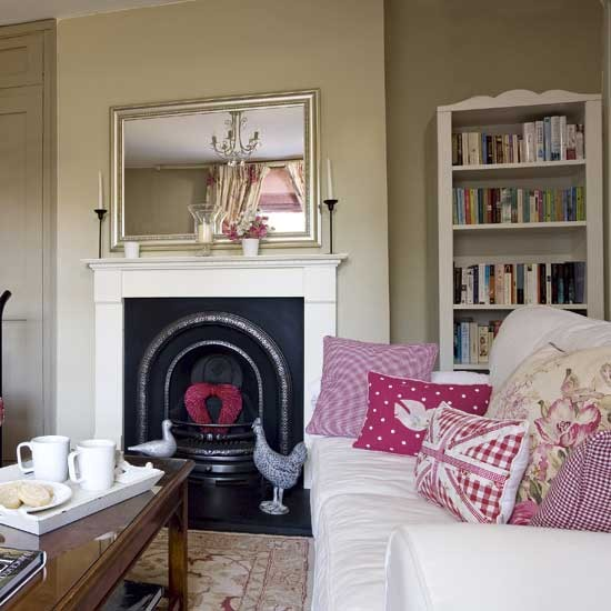 Country style living room housetohomecouk for Country style living rooms
