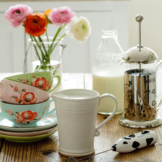 Bright crockery | Country kitchen accessories | Country kitchens ...