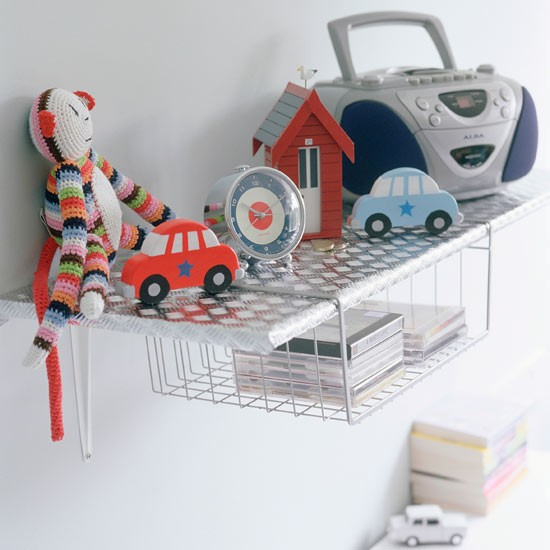 Hang storage baskets funky children 39 s storage ideas 20 for Baskets for kids room