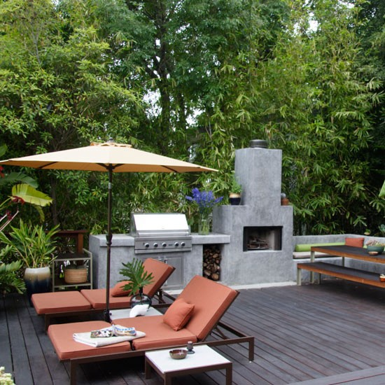 Urban garden with external fireplace urban garden ideas for Urban garden design ideas