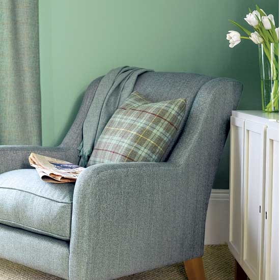Relaxed Living Room Chair Decorating Ideas Image