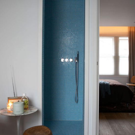 Shower small space