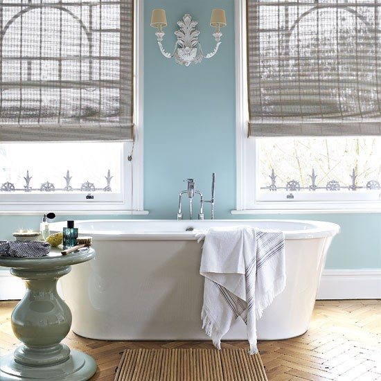 Classic blue bathroom | Traditional bathrooms | Bathroom design ideas | PHOTO GALLERY | Housetohome.co.uk