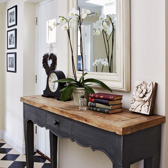 Hallway Console Table : Rustic console table  Take a tour around a period-style cottage ...