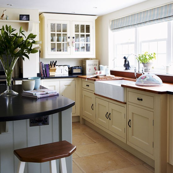 Country Kitchen Sink : Country kitchen with Belfast sink Take a tour around a period-style ...