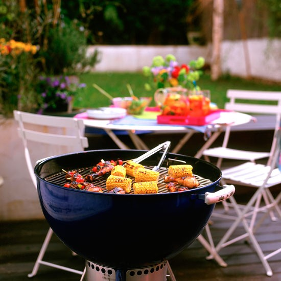 Garden ideas | Garden furniture | Bbq | Contemporary garden ...