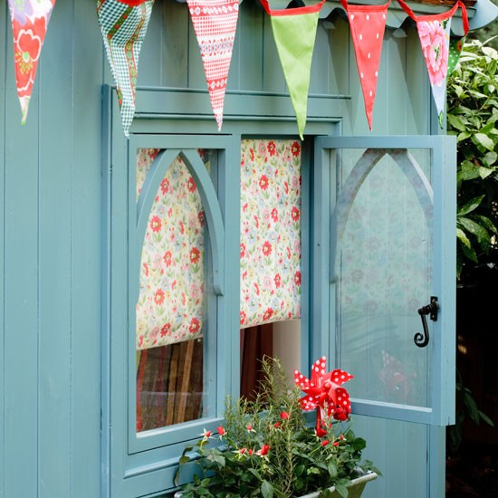 Country-style garden shed with bunting | Outdoor living | Garden | Design | PHOTO GALLERY | Housetohome.co.uk