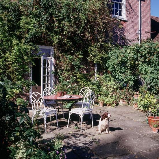 Classic garden furniture | Garden design ideas | image