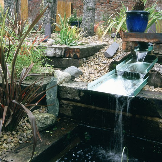Garden water feature garden design ideas for Garden feature ideas