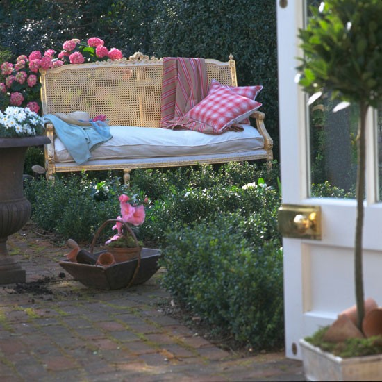 Country garden bench | Garden furniture | image