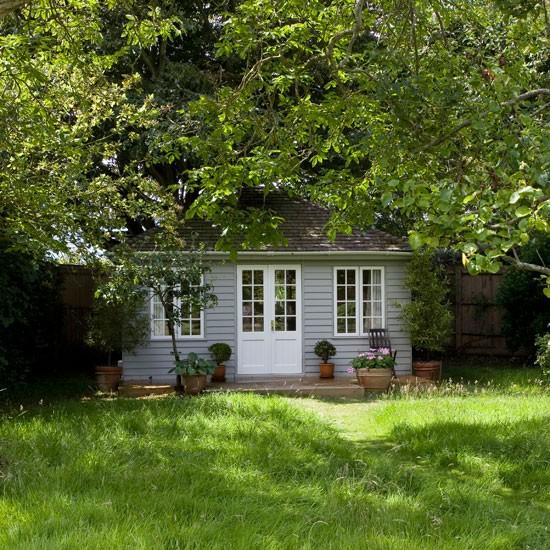 Garden summer house outdoor living for Summer house garden designs