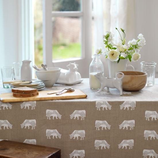 Country kitchen table | Kitchen decorating ideas | Kitchen furniture ...