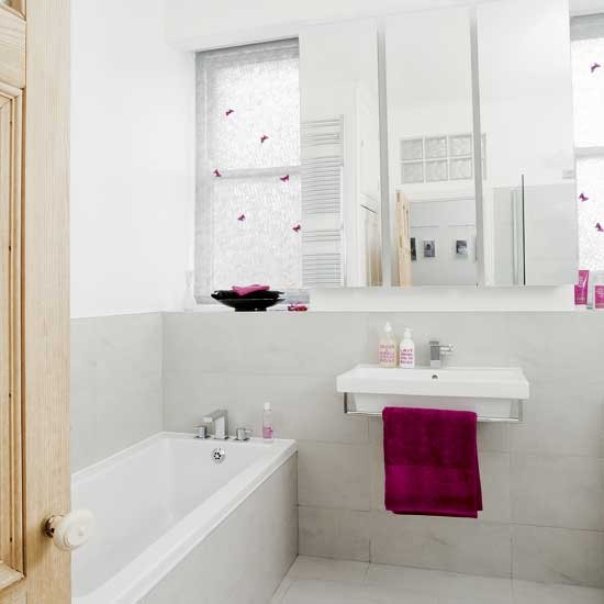 White and pink bathroom bathroom decorating ideas - Pink bathtub decorating ideas ...