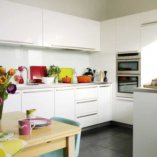 White kitchen  Kitchen designs  Kitchen accessories   -> Kuchnia Plytki Szklane