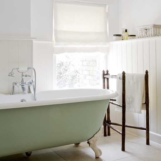 Simple Bathroom: Freestanding Baths