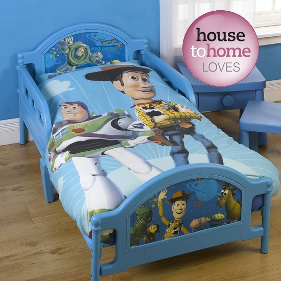 Toy Story 3 duvet set featuring Woody and Buzz Lightyear