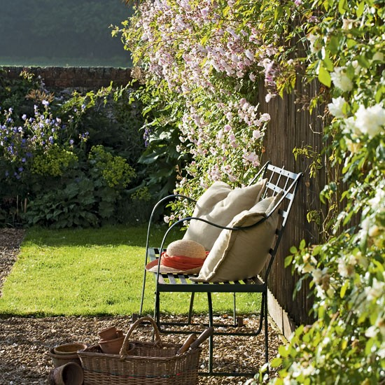 Relaxed garden seating | Garden benches | image