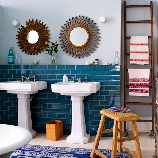 Warm blue bathroom | Bathroom decor | image