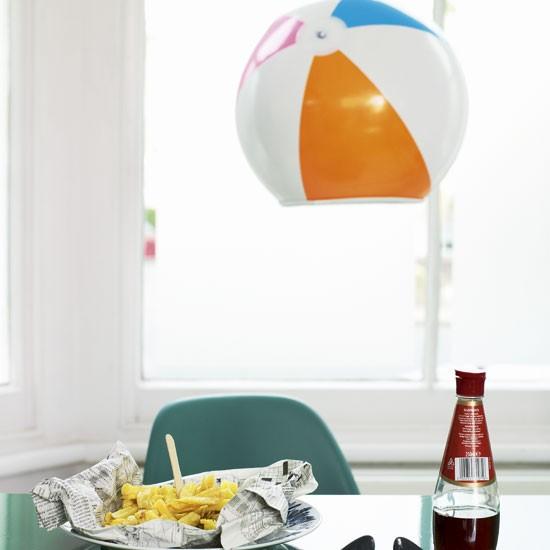Seaside-theme dining room | Dining room lighting | image