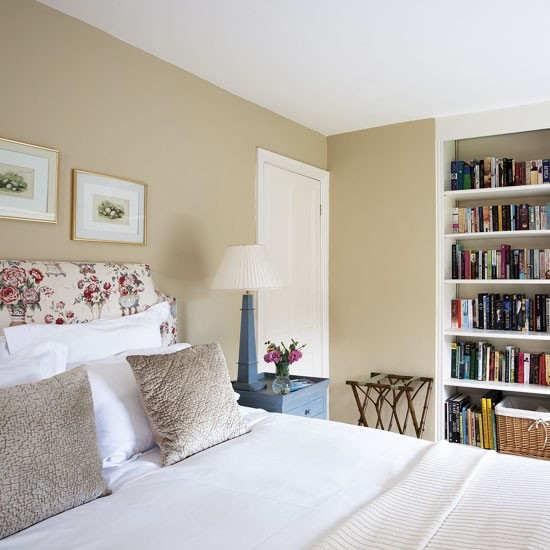 Small bedroom with floral headboard | Small bedroom ideas | Bedroom | PHOTO GALLERY | 25 Beautiful Homes | Housetohome.co.uk