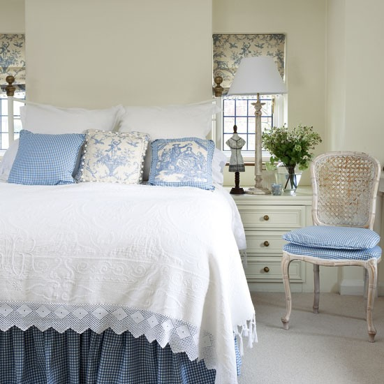 Elegant Box Bedroom With Blue Toile Fabric Small Bedroom