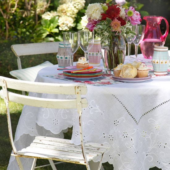 Country garden table