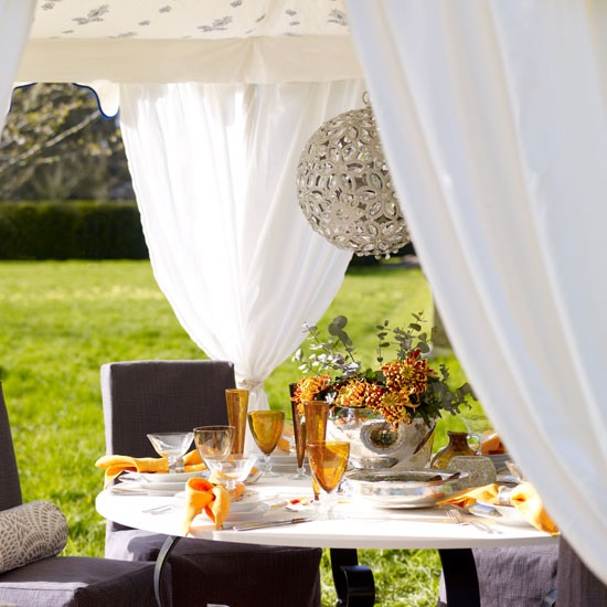 Grand outdoor table setting | Alfresco dining | image