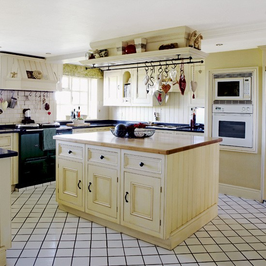Country kitchen island unit kitchen designs for Kitchen unit designs pictures