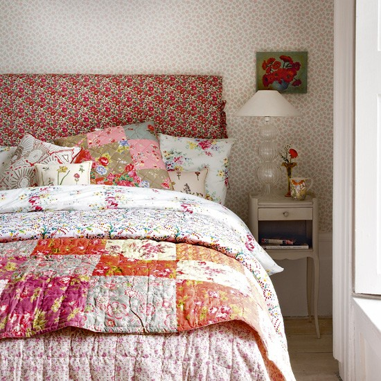 Floral Vintage Look Bedroom Bedroom Designs Decorating