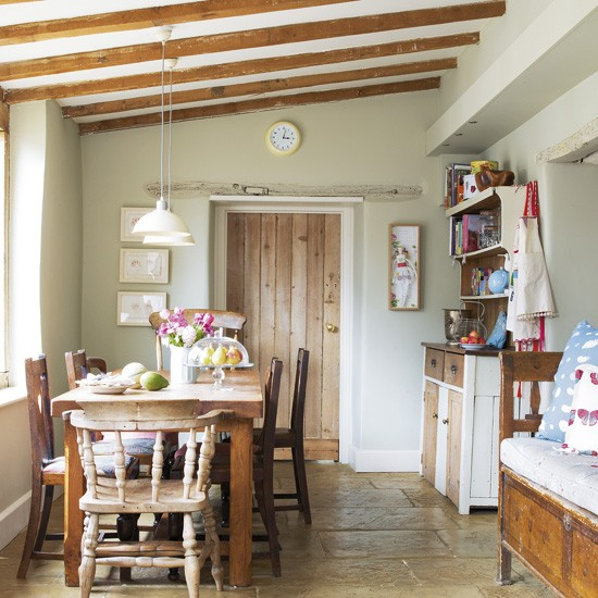 Country kitchen with flagstones kitchen designs for Country kitchen ideas uk