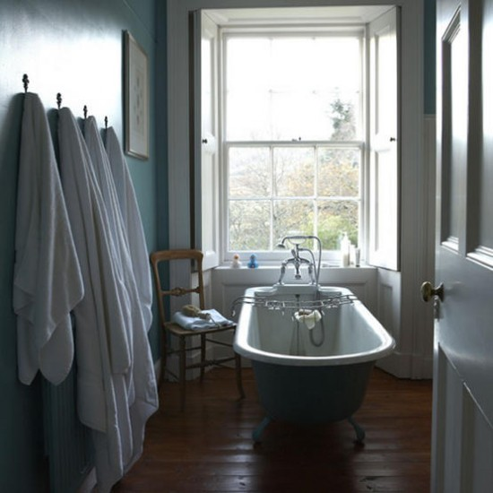 Vintage blue bathroom | Bathroom decorations | Image