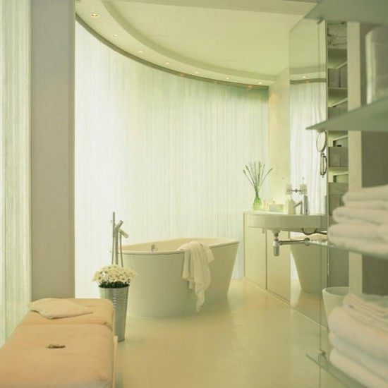 Hollywood Bathroom Modern White Scheme Housetohome Co Uk