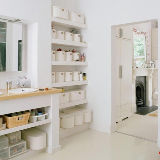 White En-suite Bathroom