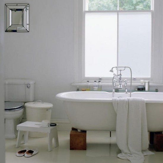 Modern bathroom | Roll-top bath | Bathroom decorating ideas | Image | Housetohome.co.uk