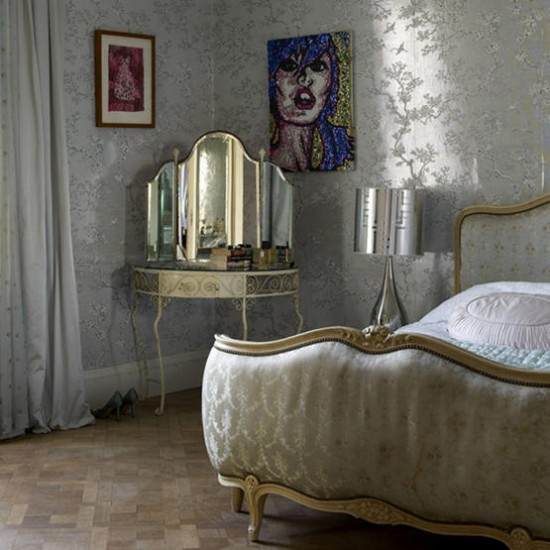 Glamorous silver bedroom bedroom designs wallpaper for Bedroom ideas silver