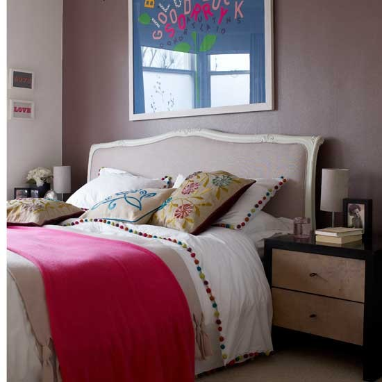 Modern feminine bedroom bedroom decorating french for Modern feminine bedroom designs