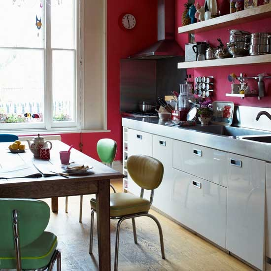 Red retro kitchen kitchen ideas shelving housetohome for Vintage kitchen units uk