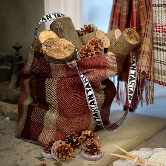 Log baskets essential christmas decorations - Decorating ideas for baskets ...