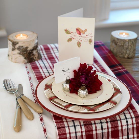 Place settings essential christmas decorations Christmas place setting ideas